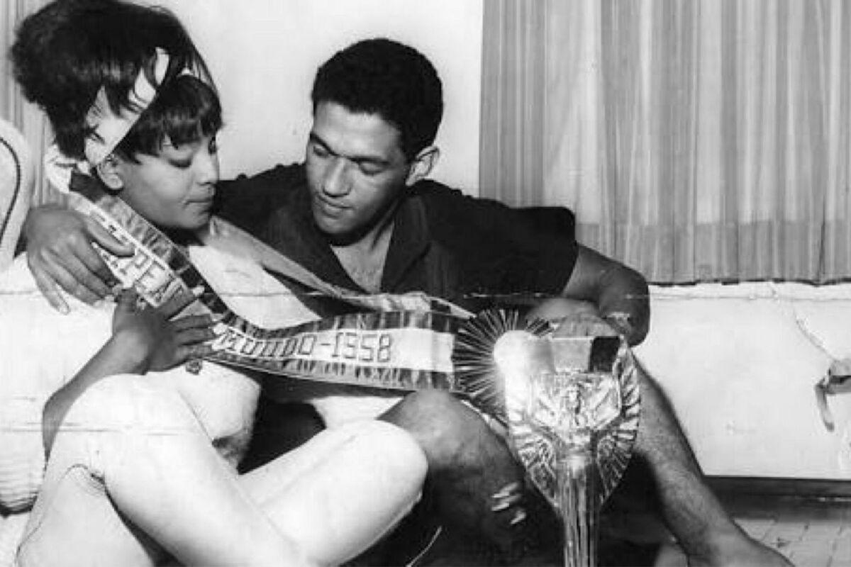 Elza Soares con Garincha despues del Mundial 1958