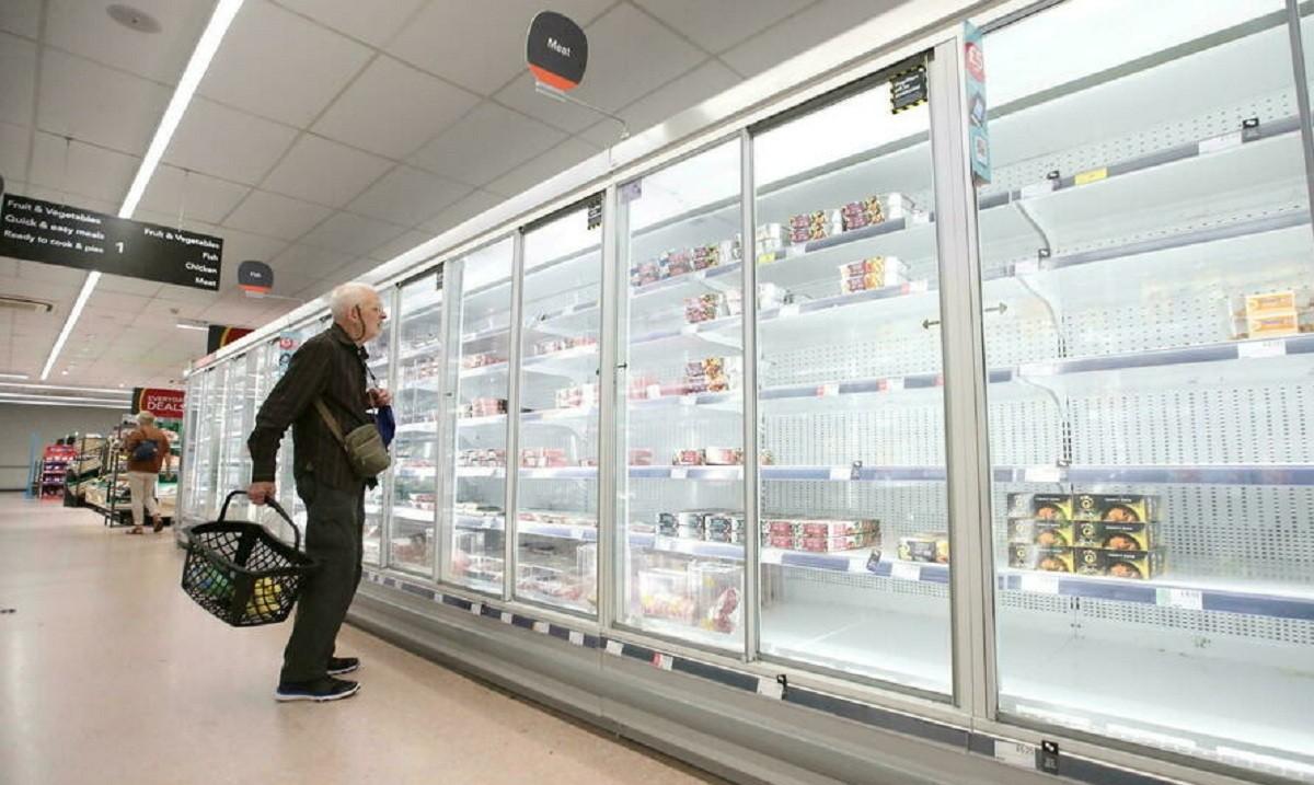 Estantes_vacíos_del_pasillo_de_la_carne_en_el_supermercado_Co-Op_Harpenden_Gran_Bretaña._Reuters_copy.jpg