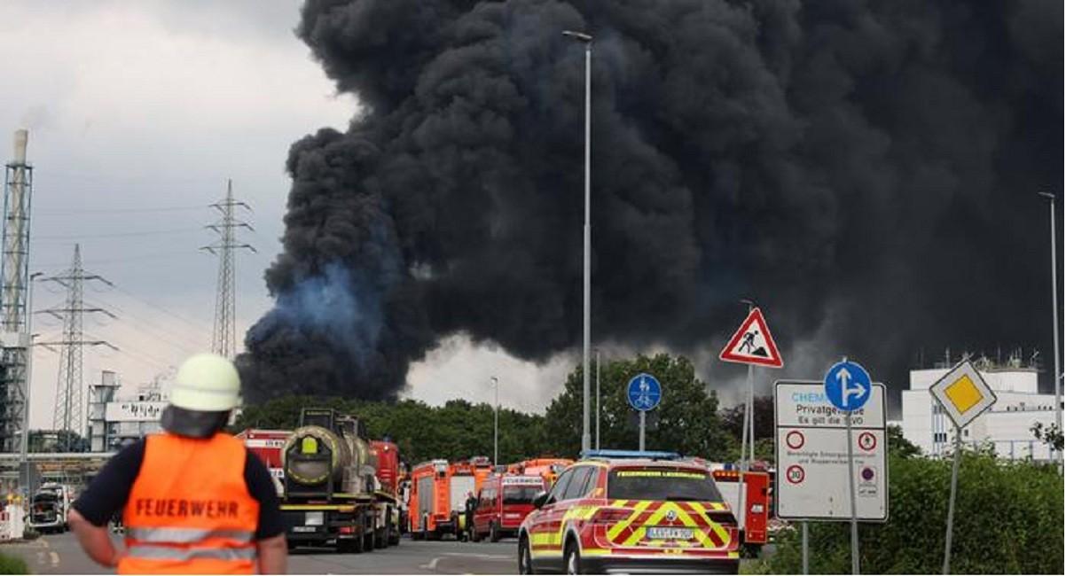 Explosión_en_una_planta_química_en_Leverkusen.jpg