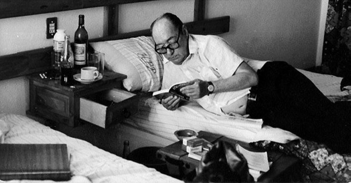 Onetti en la cama durante su exilio en Españajpg copy