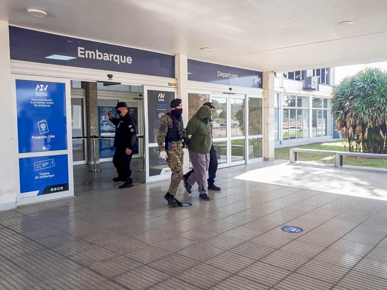 Policías_detenidos_en_Santa_Fe._1.jpg