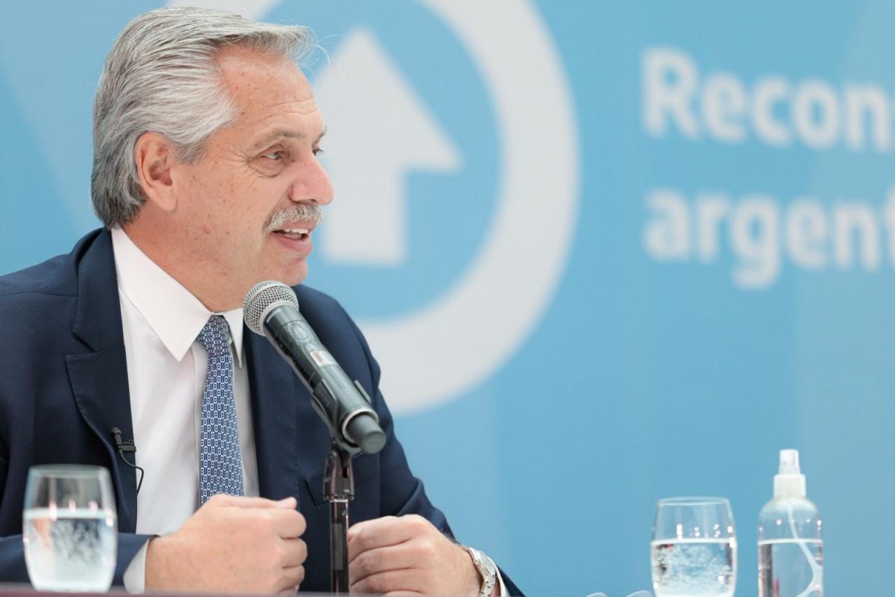 Tras la derrota, el Presidente retomó la agenda y presentó el proyecto de Ley de Compre Argentino