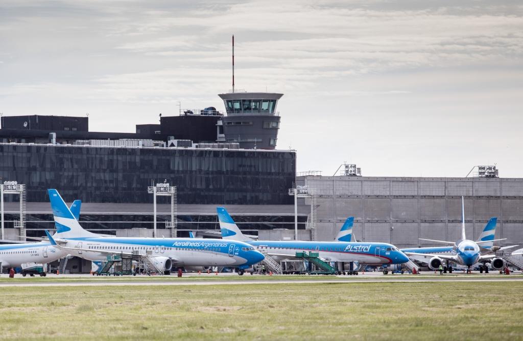 Por el rebrote de Covid, restringen vuelos a EEUU, Europa, México y Brasil