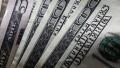El blue cerró estable a $144, pero el dólar con recargo no frena y está $14 más caro