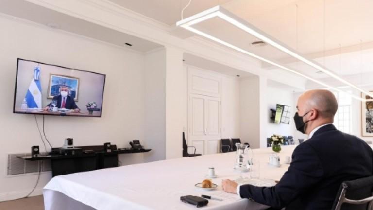 Fernández mantuvo una reunión por zoom con un influyente funcionario de Biden