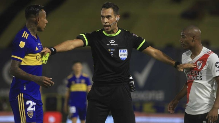 Tello volverá a ser el árbitro del Superclásico en cuartos de final de la Copa de la Liga