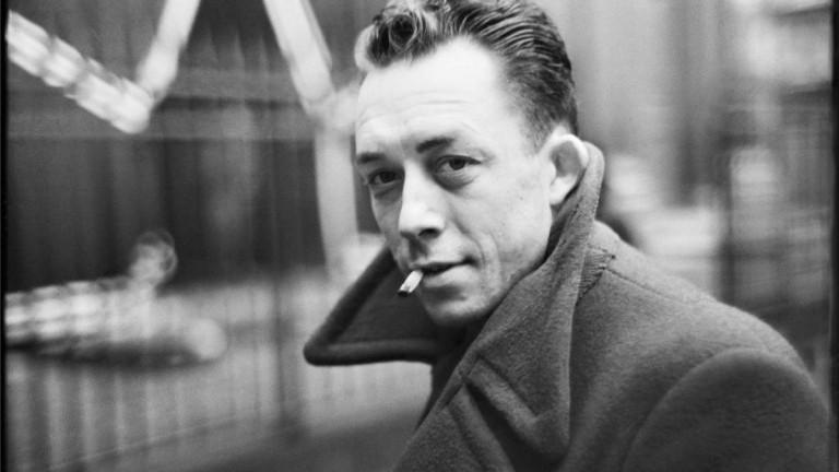 """Camus no escribió que """"la peste desnuda las almas y ese espectáculo suele ser horroroso"""""""