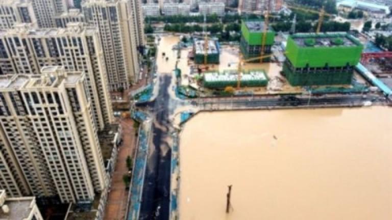 China: ya son más de 70 los muertos por las inundaciones en Henan