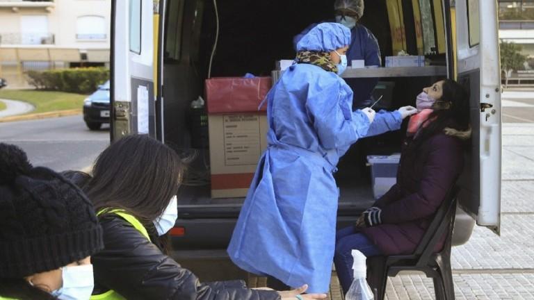 Reportaron 2.493 nuevos contagios de coronavirus y 135 muertes en las últimas 24 horas