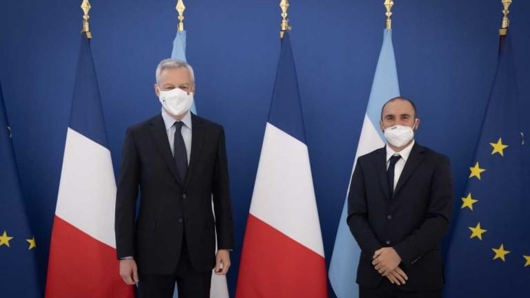 Guzmán, con el ministro de Finanzas de Francia y el presidente del Club de París