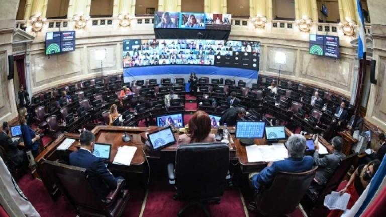 En medio de la segunda ola y sin una carpeta de temas urgentes, el Senado no sesionaría hasta mayo