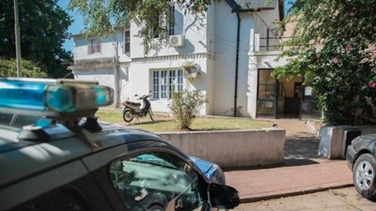 Rosario: allanaron una comisaría y detuvieron a seis policías
