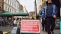 El aumento del 41,5% de los contagios de la última semana en el Reino Unido obligó a prorrogar un mes las restricciones
