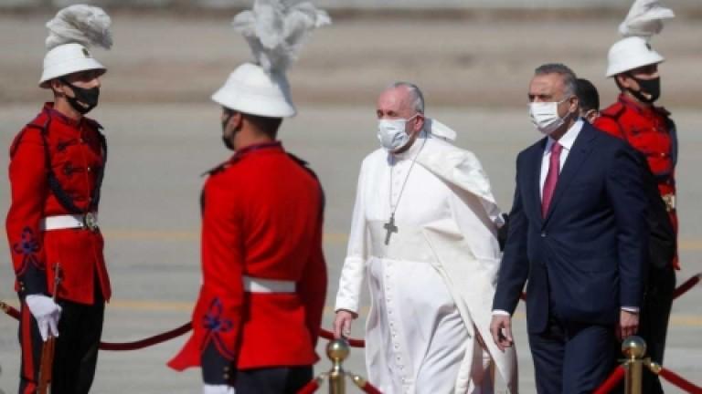 El papa Francisco inició su histórica visita a Irak: