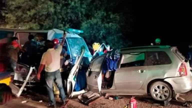 La Rioja: nueve muertos por un choque entre un auto y una ambulancia