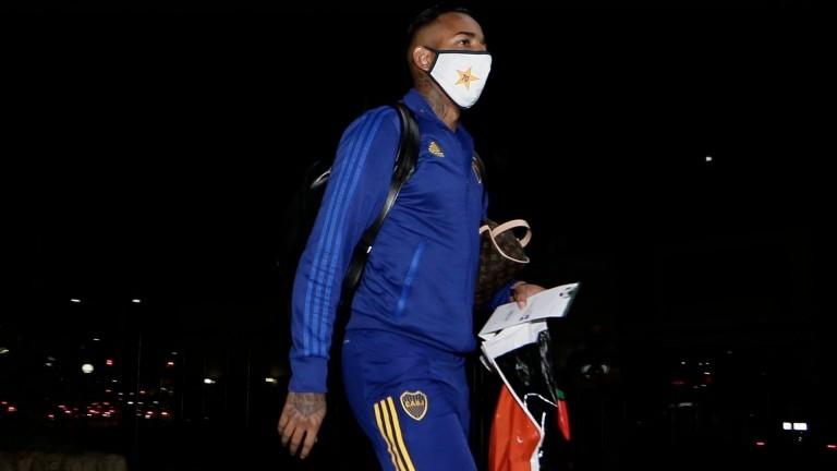 Tras ser sancionado por Boca, Villa se entrenó en soledad en Ezeiza