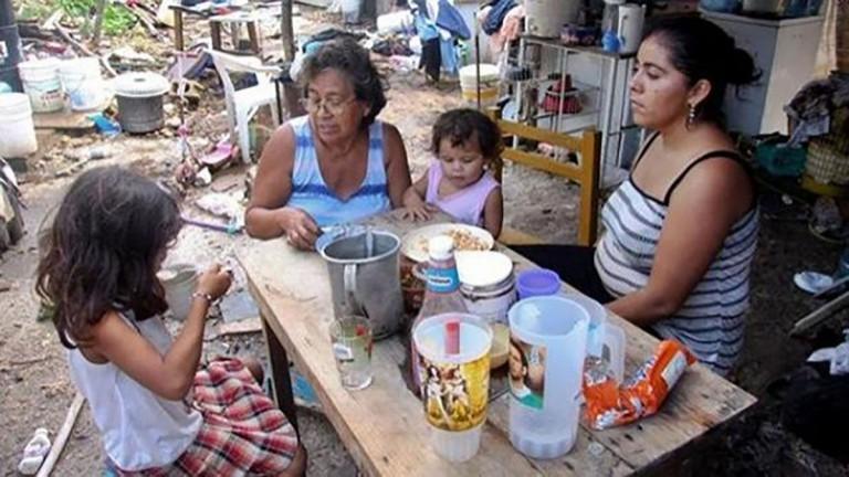 Para no ser pobre, una familia necesitó en agosto un ingreso de $68.359, informó el INDEC