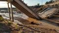 Tras una fuerte tormenta en Mendoza, crecieron los arroyos y se cayó un puente en la Ruta 40