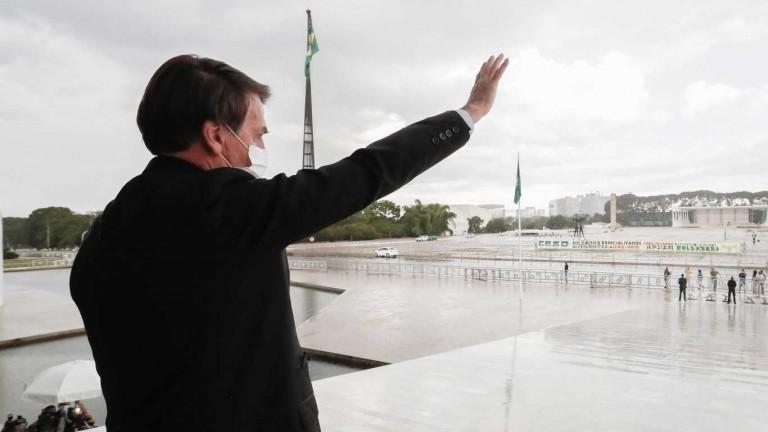 Bolsonaro considera que solo puede ser destituido por Dios