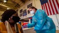 Estados Unidos: los vacunados ya no tienen que usar tapabocas en espacios cerrados