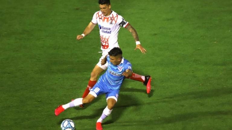 La Liga Profesional modificó el día y horario del duelo entre Vélez y Huracán