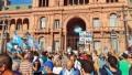 Comenzó la protesta contra el Gobierno: manifestantes se concentran en Plaza de Mayo y Obelisco