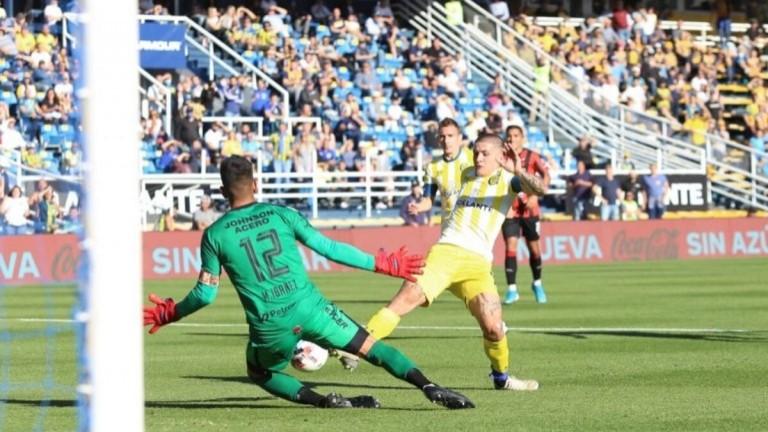 Central rescató un triunfo agónico en el final y venció a Patronato 3 a 2